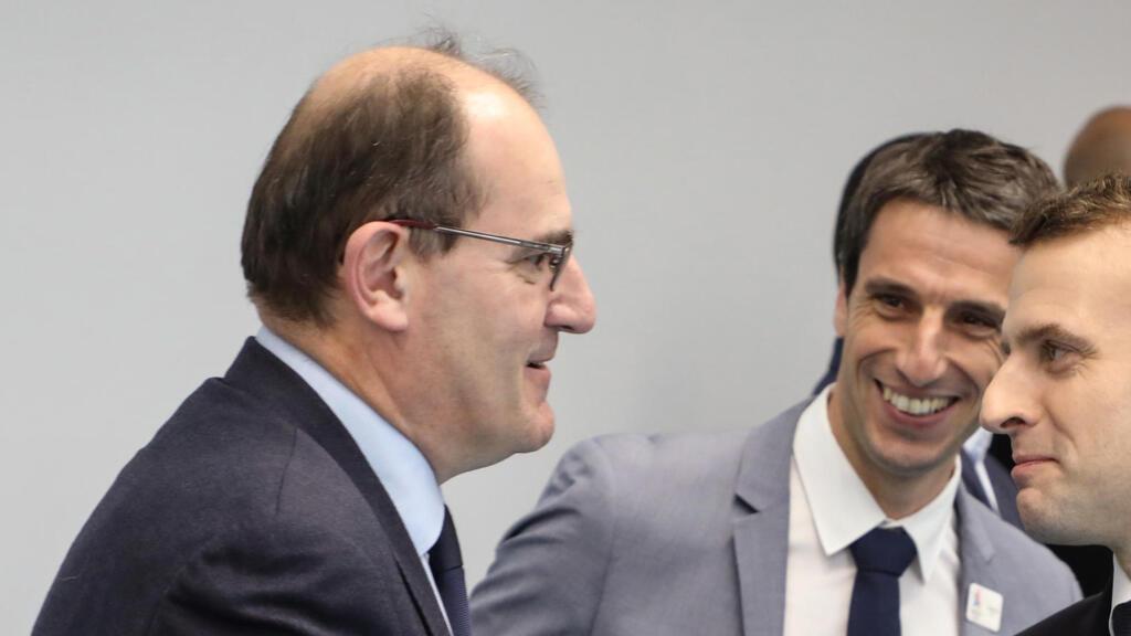 Pour reprendre la main, Emmanuel Macron place un homme de l'ombre à Matignon