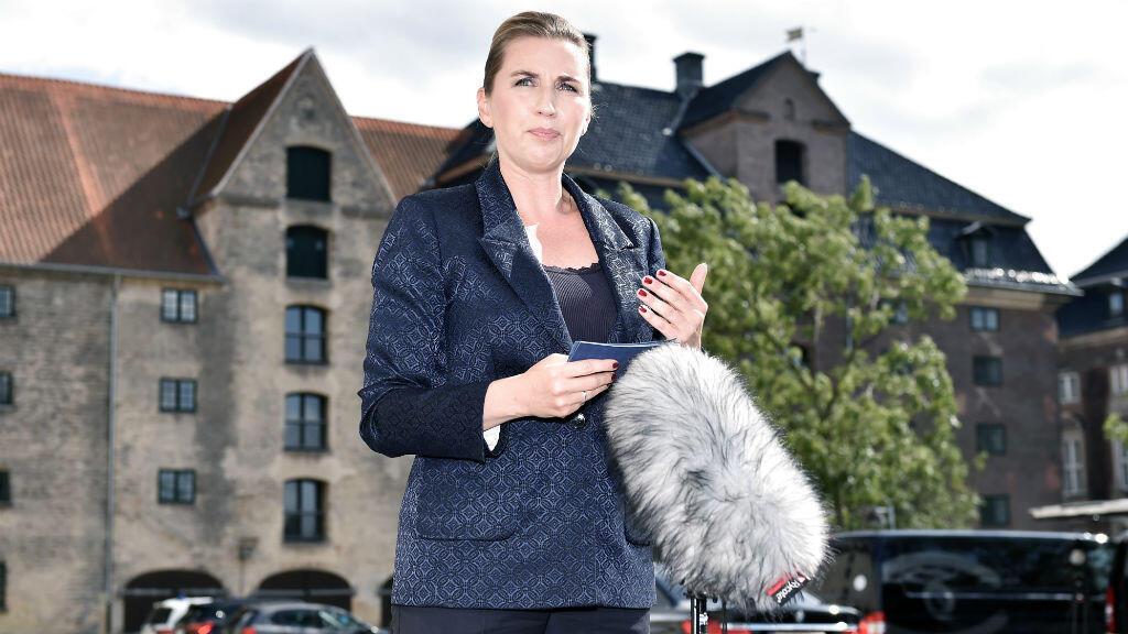 La primera ministra de Dinamarca, Mette Frederiksen, habla con la prensa el 21 de agosto de 2019 en Copenhague, Dinamarca, después de que el presidente de Estados Unidos cancelara su visita de estado.