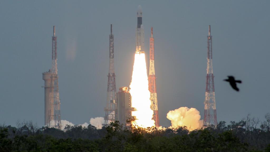 La India está tratando de consolidar su lugar entre las naciones del mundo con su segunda misión no tripulada a la luna.