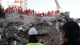 RESCUE WORKERS TURKISH EARTHQUAKE