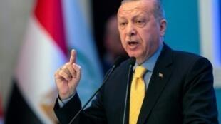 """أردوغان: """"دخلنا عفرين وجرابلس والباب. الآن سندخل إلى شرق نهر الفرات""""."""