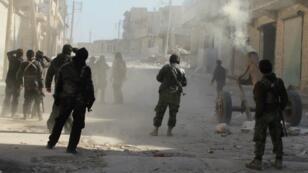 Une vingtaine de membres du Front Al-Nosra dont le porte-parole du groupe jihadiste sont morts dans des frappes en Syrie, le 3 avril 2016.