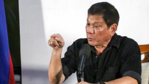 Rodrigo Duterte a annoncé son intention de recourir à l'armée pour mener sa croisade anti-drogue.