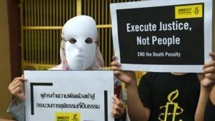 Des militants anti-peine de mort en Thaïlande, le 19 juin 2019.