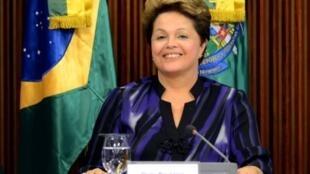 La présidente Dilma Rousseff au Planalto Palace, à Brasilia, le 24 juin