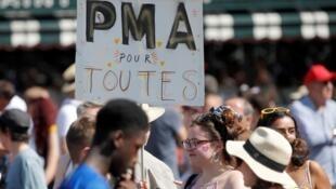Des manifestants lors de la Gay pride, dans les rues de Paris, le 29 juin2019.