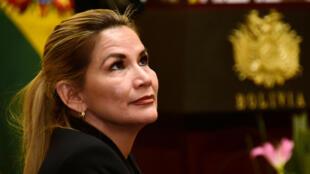 La presidenta interina de Bolivia, Jeanine Áñez, luego de anunciar a sus nuevos miembros del gabinete, en La Paz, Bolivia, el 28 de enero de 2020.