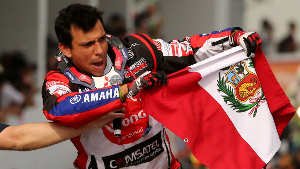 Con Kariakin fuera de concurso, los pilotos que tienen opciones de impedir que Casale gane su segundo Dakar son el peruano Alexis Hernández y el argentino Pablo Copetti.