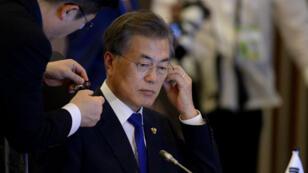 Le président sud-coréen, Moon Jae-in, lors du sommet Asean, le 13 novembre à Manille.