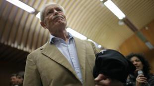 L'écrivain italien Erri de Luca au tribunal de Turin pour le dernier jour de son procès, le 19 octobre 2015.