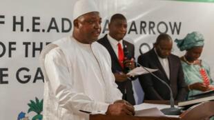 الرئيس المنتخب يؤدي اليمين الدستورية في داكار
