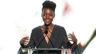 Lupita Nyong'o interviene en el Women In Film en Beverly Hills. 13/06/2017