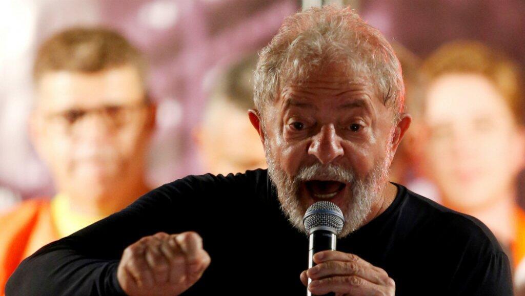 Imagen de archivo / Luiz Inácio Lula da Silva da un discurso durante una manifestación el 28 de marzo de 2018 en Curitiba, Brasil.