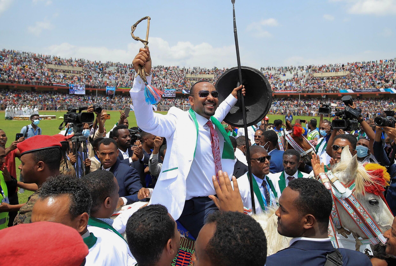 2021-06-16T131547Z_553064788_RC2O1O96YLZT_RTRMADP_3_ETHIOPIA-ELECTION-ABIY