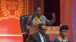 L'humoriste Mamane lors de son show au Palais des sports de Niamey, le 2 juillet 2019 au Niger