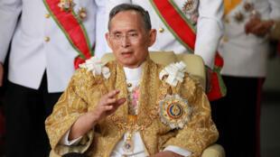 ملك تايلاند الراحل بوميبول أدوليادي