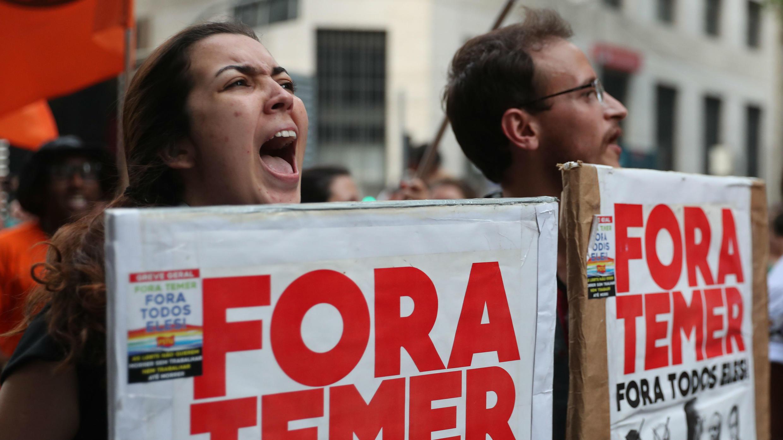 Integrantes de la Central Única de los Trabajadores manifiestaron en Río de Janeiro.