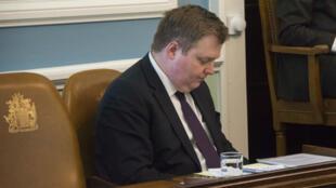 Le Premier ministre islandais, Sigmundur David Gunnlaugsson, au Parlement le 4 avril 2016.