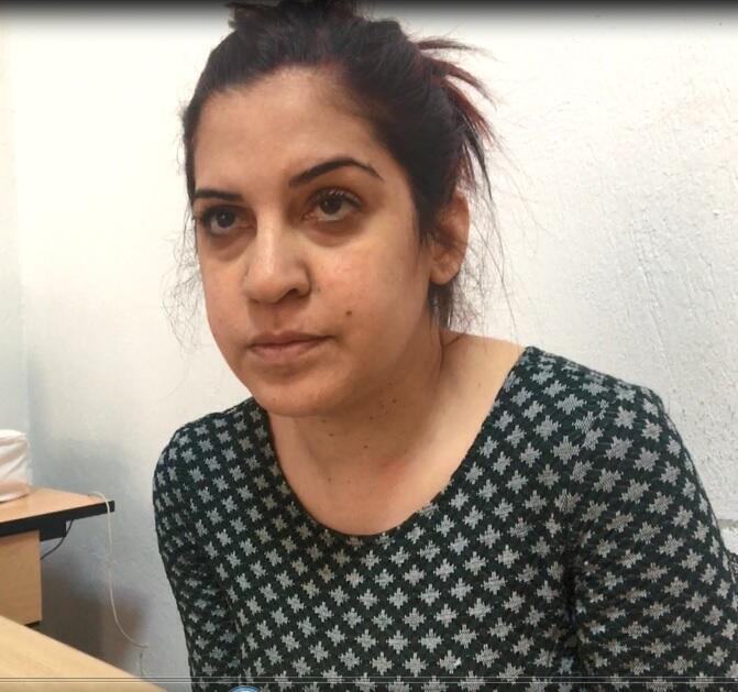 المدونة والناشطة لينا بن مهني