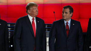 تيد كروز ودونالد ترامب خلال المناظرة في  لاس فيغاس في 15 كانون الأول/ديسمبر