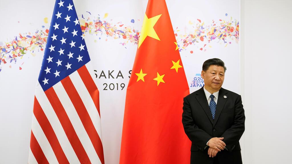 El presidente de China, Xi Jinping, espera antes de su reunión bilateral con el presidente de Estados Unidos, Donald Trump, durante la cumbre de líderes del G20 en Osaka, Japón, el 29 de junio de 2019.