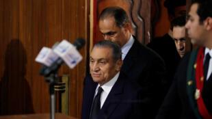L'ancien président égyptien Hosni Moubarak devant une cour du Caire, le 26 décembre 2018.