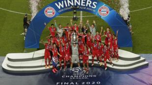 Le Bayern Munich sacré champion d'Europe à l'issue de sa victoire sur le PSG en finale de Ligue des champions à Lisbonne, le 23 août 2020