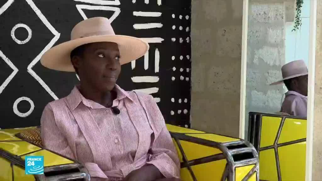 أداما باريس إحدى أشهر المصممات السنغاليات.