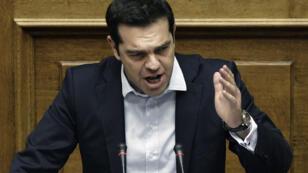 رئيس الوزراء اليوناني ألكسيس تسيبراس أمام البرلمان
