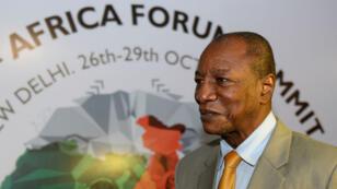 Le président guinéen, Alpha Condé, le 27 octobre 20015 à l'aéroport de New Dehli pour un sommet entre l'Inde et l'Afrique.