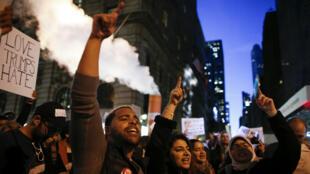 متظاهرون ضد انتخاب دونالد ترامب