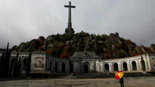 El gobierno socialista espera trasladar el cadáver del dictador Franco antes del comienzo de la campaña electoral.