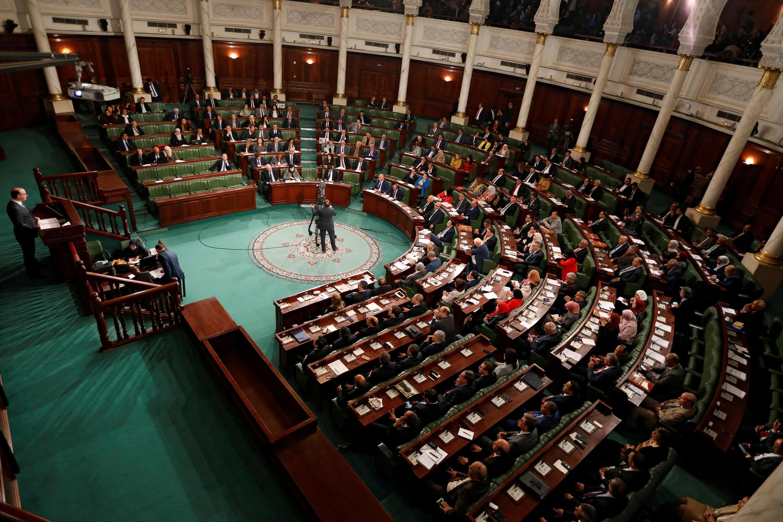 رئيس الوزراء التونسي المستقيل إلياس الفخفاخ يتحدث في مجلس نواب الشعب التونسي عند تسميته، 26 فبراير/شباط 2020.