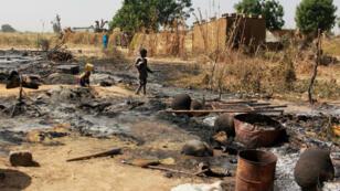 Le village de Maiborti en ruine après une attaque de Boko Haram, dans le nord-est du Nigéria, le 17 décembre 2018.