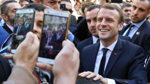 الرئيس الفرنسي بالعاصمة الجزائرية