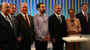 Los candidatos presidenciales asisten al último debate televisado antes de las elecciones del 07 de octubre en Río de Janeiro, Brasil, el 4 de octubre de 2018.
