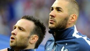 بنزيمة برفقة فالبوينا في يونيو/حزيران 2014 قبل اتطلاق مباراة فرنسا-جاميكافي ليل.