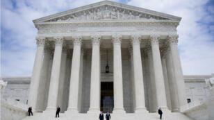 La Cour suprême américaien examinera le decret anti-immigration de Trump au printemps.