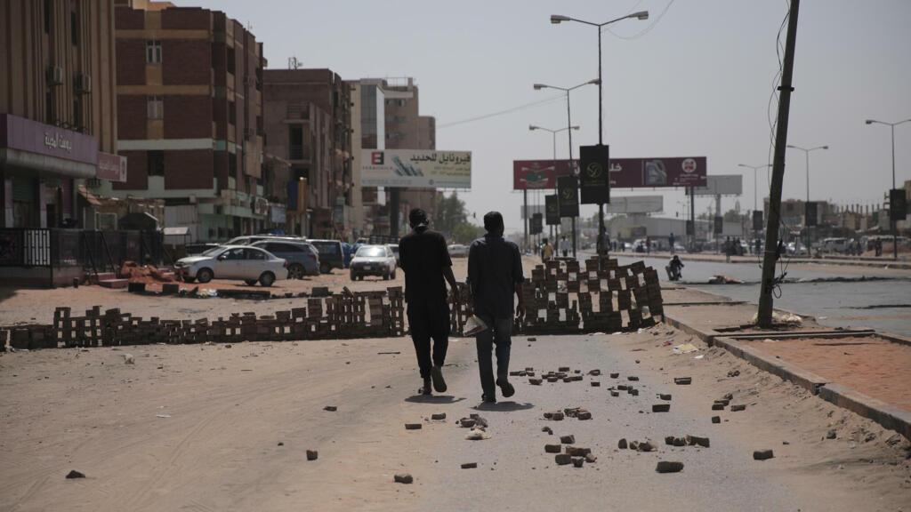 السودان: تواصل الاحتجاجات الشعبية في البلاد وسط تصاعد الضغوط الدولية من أجل عودة المدنيين إلى السلطة