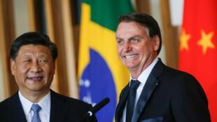 El presidente de Brasil, Jair Bolsonaro, y su homólogo chino, Xi Jinping, se encontraron para una reunión bilateral en BRasilia previa a la cumbre de los BRICS el 13 de noviembre de 2019