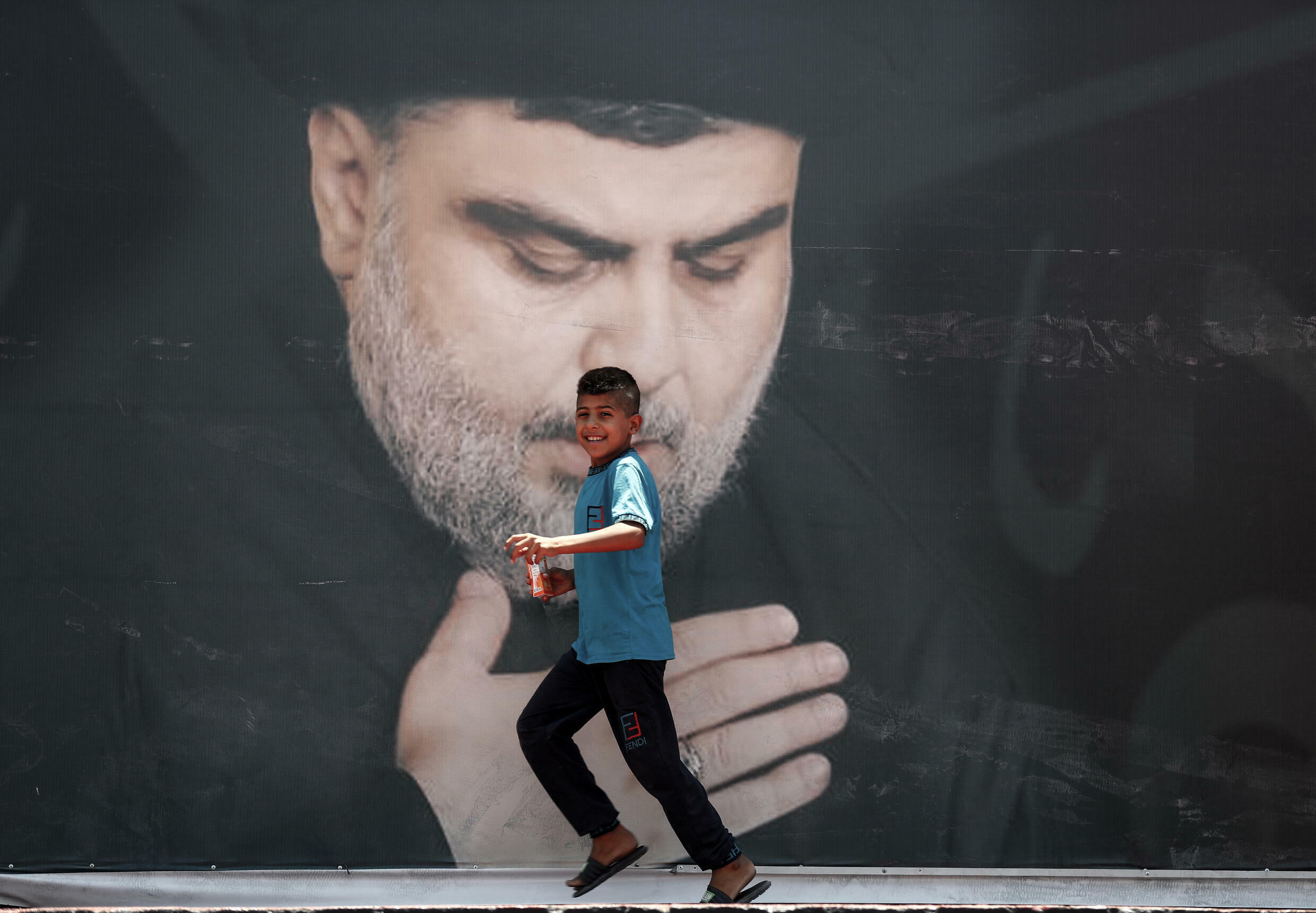 The movement of the Shiite Muslim cleric Firebrand Moqtada Sadr is the favorite in the legislative elections in Iraq