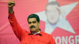 الرئيس الفنزويلي نيكولاس مادورو (55 عاما) ينال ترشيح حزبه لولاية جديدة.
