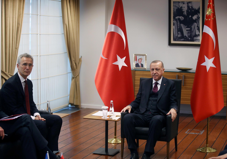الرئيس التركي رجب الطيب أردوغان يلتقي الأمين العام لحلف شمال الأطلسي ينس ستولتنبرغ