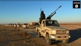 صورة من فيديو دعائي لتنظيم الدولة الإسلامية في العراق تم تحميله على الانترنت في حزيران/يونيو 2014