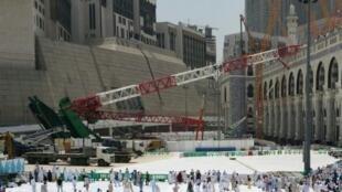 الرافعة التي سقطت على المسجد الحرام في مكة