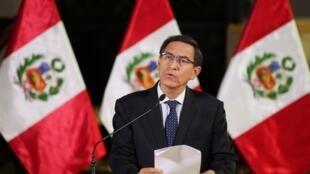 El presidente de Perú, Martín Vizcarra, el 30 de septiembre de 2019 desde Lima mientras anunciaba que disolvería el Congreso.