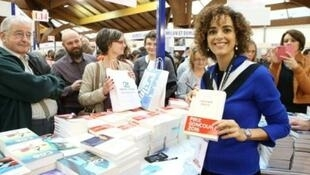"""الكاتبة المغربية ليلى سلماني، الحائزة جائزة """"غونكور"""" في 2016."""