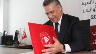 Nabil Karoui présente sa candidature à la Commission électorale tunisienne à Tunis, le 2 août 2019.
