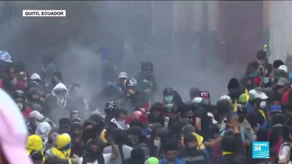 2019-10-10 14:44 Demonstration escalates into violent clashes in Ecuador