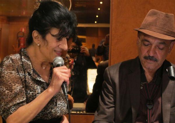 الفنانة الجزائرية بيونة في إحدى السهرات خلال ايام قرطاج السينمائية